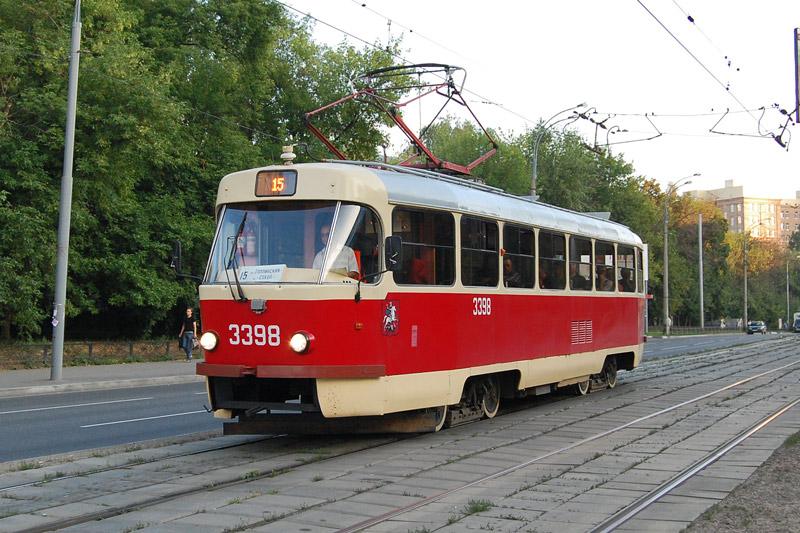Новый трамвай сразу же